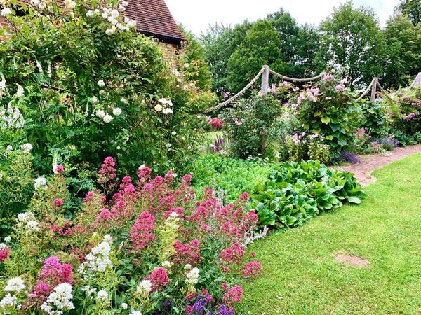 Astleham garden at Chiltern Open Air Museum